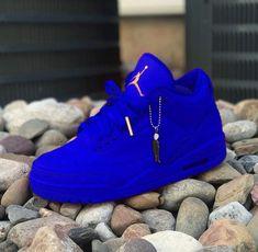 Jun 2019 - Top 10 Air Jordan Custom Sneakers - Page 5 of 10 - WassupKicks Cute Sneakers, Sneakers Mode, Sneakers Fashion, Shoes Sneakers, Jordans Sneakers, Jordan Shoes Girls, Air Jordan Shoes, Girls Shoes, Sneakers Nike Jordan