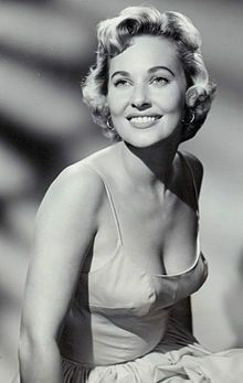 1959 publicity photo of Lola Albright as Edie Hart in the television show Peter Gunn Vintage Hollywood, Hollywood Glamour, Hollywood Actresses, Classic Hollywood, Actors & Actresses, Hollywood Divas, Hollywood Icons, Hollywood Stars, Classic Actresses