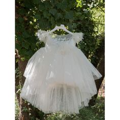 Βαπτιστικό φόρεμα Dolce Bambini Χειμερινό σε λευκό του πάγου από ασύμμετρο τούλι και διακόσμηση λουλουδιών, Χειμωνιάτικα βαπτιστικά ρούχα κορίτσι επώνυμα, Χειμερινό φόρεμα βάπτισης τιμές-προσφορά, Μοντέρνο βαπτιστικό φόρεμα Χειμερινό οικονομικό Girls Dresses, Flower Girl Dresses, Wedding Dresses, Fashion, Dresses Of Girls, Bride Dresses, Moda, Bridal Gowns, Fashion Styles