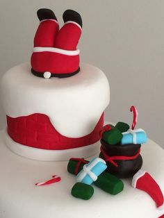 Xmas cakes reindeer and xmas on pinterest Santa stuck in chimney cake
