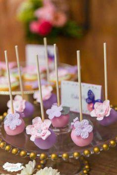 Enchanted-Garden-Birthday-Party-Cakepops
