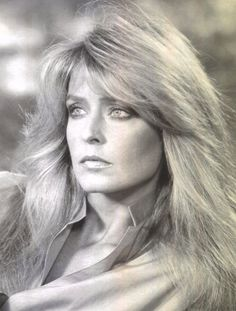 "The gorgeous Farrah Fawcett circa 1976 during her ""Most Beautiful Woman"" faze. Farrah Fawcett, Blond, Meg Ryan, Sophie Marceau, Hollywood, Marylin Monroe, Julia Roberts, Feathered Hairstyles, Great Hair"