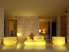 design outdoor light up furniture sofa clubchair coffeetable vela ramonestve vondom (1)