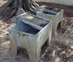 Tanque de lavar roupa- Pesquisa do Google Does anyone remember these lovely concrete where our mothers wash the clothes. omg
