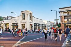 Read practical information about Old Town Pasadena. Learn more about Old Town Pasadena and other sights in Los Angeles with DK Eyewitness Travel.
