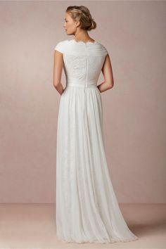 wedding dresses for sale under 200 dollars