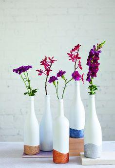 Wazon na kwiaty z niepotrzebnych butelek ZRÓB TO SAMA