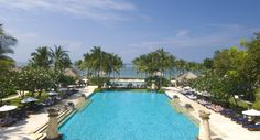 Located on the southern coast of Bali, Conrad Bali is nestled in 6.8 hectares
