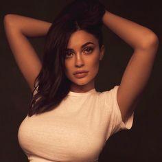 105.5 m abonnés, 127 abonnement, 5,364 publications - Découvrez les photos et vidéos Instagram de Kylie (@kyliejenner)