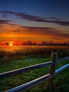 Fresh new morning...sun is coming up! Beautiful sunrise.....love this scene!!