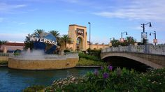 What to pack for your Universal Orlando vacation: free checklist & how to keep kids safe.