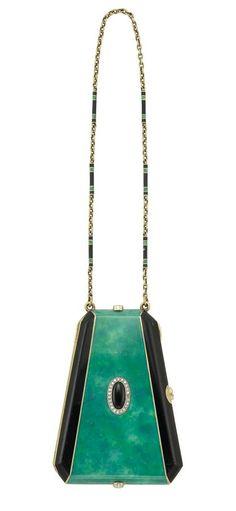 A stunning over the shoulder handbag. 1930's