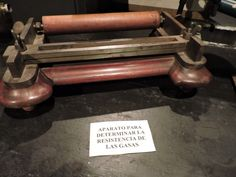 Museo Farmacia Militar - Aparato para comprobar la resistencia de las gasas