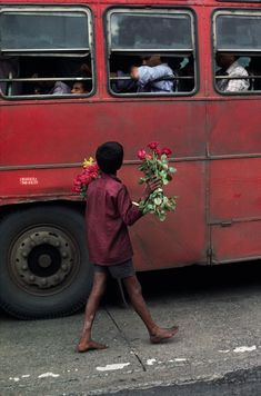 Bombay, India - Child Labor | Steve McCurry