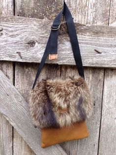 Fur Purse, Fur Bag, Leather Handbags, Leather Bag, Craft Fur, Color Combinations For Clothes, Hunting Bags, Vintage Fur, Leather Projects