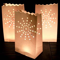 Ten White Candle Lanterns With Tea Lights - lights & candles Paper Bag Lanterns, Candle Lanterns, Candle Bags, Sweet 16 Bonfire, Sweet Sixteen Parties, Paper Light, Bonfire Night, Deco Table, Tea Lights
