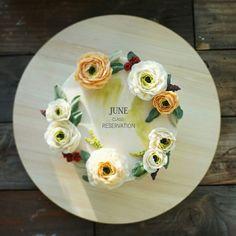 Flower cake #koreancake #앙금플라워케이크 #buttercream #peonies #tulip #flower #wilton #desert #cakedesign #cake