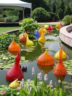 Dale Chihuly - Glass Art at Atlanta Botanical Gardens, Atlanta, Georgia Broken Glass Art, Sea Glass Art, Stained Glass Art, Shattered Glass, Glass Vase, Dale Chihuly, Atlanta Botanical Garden, Botanical Gardens, Art Nouveau