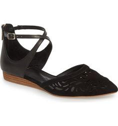b5a9174c32b1 13 Work Shoes That Look Profesh—But Won t Kill Your Feet