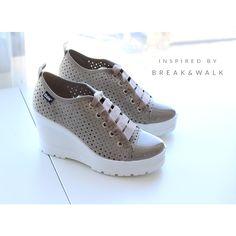 Zapatilla de cuña en color Tierra para Mujer. Tendencias en Calzado y Moda para Mujer Break&Walk
