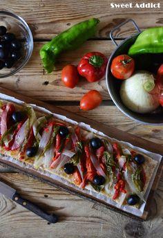 Pizza vegana de verduras: http://www.sweetaddict.es/2015/08/coca-de-verduras-asadas.html
