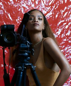 Rihanni-Feature-Updated_Imagery-02_vojvgj