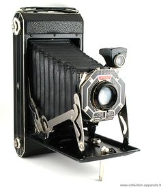 Antique Cameras, Old Cameras, Vintage Cameras, Kodak Camera, Camera Gear, Film Camera, Instax Wide Film, Classic Camera, Art Deco Pattern