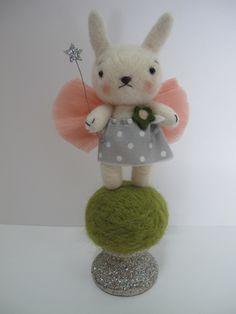 【Jenn Docherty】fairy bunny ♥ Felt Wool Doll