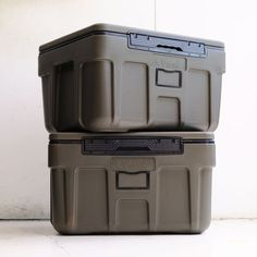 OLIVE DRAB COOL BOX〈66L〉