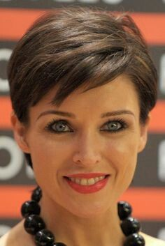 Pictures Of Short Hairstyles After Chemo Picture Chemo Hair Short Hair Pictures Hair Regrowth