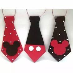 corbatin mickey mouse, fiesta, niños , corbata Mickey E Minnie Mouse, Mickey Mouse Crafts, Fiesta Mickey Mouse, Theme Mickey, Mickey Mouse Clubhouse Birthday, Mickey Party, Mickey Mouse Birthday, Disney Diy, Disney Crafts