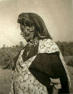 1949. Jewish woman in mellah of Asrir, north of Sahara.
