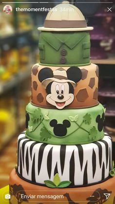 56 Ideas Cupcakes Disney Desserts For 2019 Disney Desserts, Disney Cakes, Fondant Cupcakes, Cupcake Cakes, Party Cupcakes, Fancy Cakes, Cute Cakes, Bolo Mickey Safari, Mickey Mouse Cake