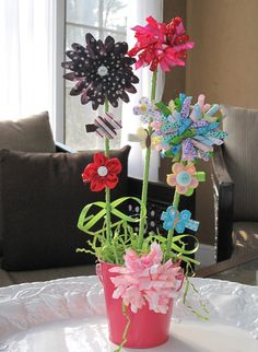 Cute for birthday presents Ribbon Bouquet, Ribbon Hair Bows, Diy Hair Bows, Ribbon Projects, Ribbon Crafts, Bazaar Ideas, Bow Accessories, Elastic Headbands, Girls Bows