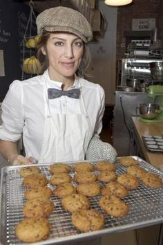 Jennifer's Way Bakery: Gluten-Free Goodness in NYC - try the pumpkin chocolate chip and cardamon(m) pear muffins. New varieties of all gluten-free bagels: EVERYTHING BAGEL (poppy and sesame seeds, onion, garlic), BLUEBERRY BAGEL, CINNAMON & CRANBERRY BAGEL. Promo: Buy one box, half off 2nd box. Code: Bonanza - 70% off s/h on orders $50-149.99; orders $150 & up free ground & 2-day express s/h. During Summer, check out their hamburger buns, sandwich rolls and baguettes!