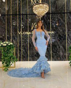 Elegant Dresses For Women, Unique Dresses, Beautiful Dresses, Pretty Prom Dresses, Glam Dresses, Best Evening Dresses, Dress Cake, Fantasy Dress, Celebrity Dresses
