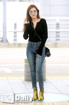 Hyuna airport 2016