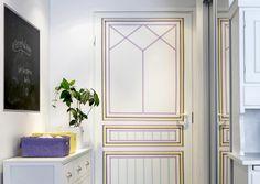 Tavallinen ovi saa uuden ilmeen, kun tuunaat sen japanilaisilla washi-teipeillä. Katso Unelmien Talo&Kodin helppo ohje ja innostu teippailemaan!