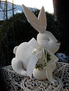 Eleganter großer Hase,Osterhase,Osterdekoration von Aus dem Rosengarten auf DaWanda.com