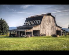 Rock City Barn by Frank Kehren, via Flickr