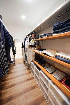 35.simple&stylish   トータルハウジング Dresser In Closet, Dresser Top, Closet Bedroom, Home Design Decor, Home Interior Design, House Design, Home Decor, Closet Storage, Closet Organization