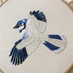34 Ideas Bird Embroidery Designs Fabrics For 2019 Embroidered Bird, Crewel Embroidery, Cross Stitch Embroidery, Embroidery Patterns, Machine Embroidery, Embroidery Thread, Contemporary Embroidery, Thread Painting, Satin Stitch