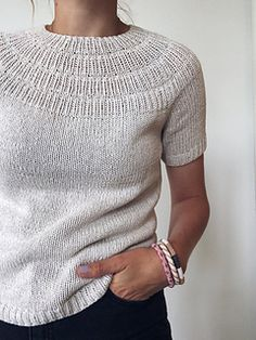 Ravelry: stitches and 30 rows = 10 cm - Anker's Summer Shirt pattern by PetiteKnit Knitting Blogs, Sweater Knitting Patterns, Knit Patterns, Summer Sweaters, Summer Shirts, Knit Shirt, Pulls, Knit Crochet, How To Wear