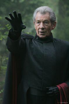 Erik Lensherr / Magneto - Ian McKellen in X-Men: The Last Stand (2006).
