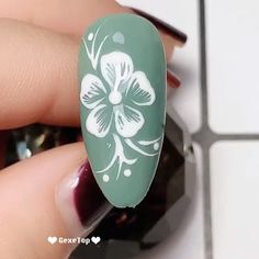 Nails for teens 10 Beautiful Flower Nail Art Ideas - Nails Design Tutorials Videos Flower Nail Designs, Flower Nail Art, Cute Nail Designs, Acrylic Nail Designs, Acrylic Nails, Designs On Nails, Nail Art Designs Videos, Nail Art Videos, Gelish Nails