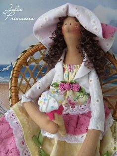 omGEE!!...simply ADORABLE tilda doll in her big floppy hat. the pretty eyelet fabric suits her perfectly...not to mention her yummy icecream cone, too!