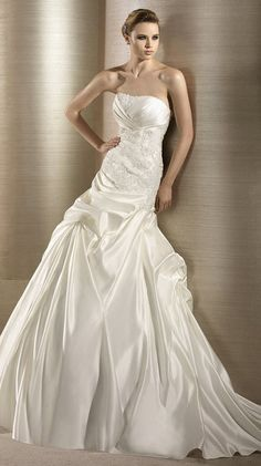 OPERA / Bridal Gowns / 2012 Collection / Avenue Diagonal