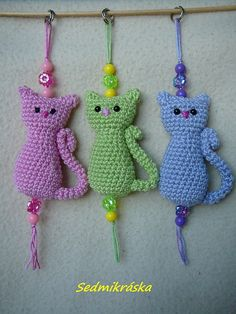 Crochet Crafts, Crochet Toys, Knit Crochet, Holiday Sweater, Sweater Design, Winter Holidays, Handicraft, Crochet Necklace, Wool