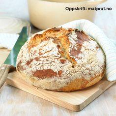 Eltefritt grytebrød - Jernia Camembert Cheese, Dairy, Baking, Artisan Bread, Bread Making, Patisserie, Backen, Bread, Sweets