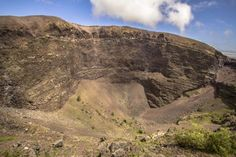 Mt Vesuvius 4x4 Tour from Sorrento Including Hike, Lunch and Wine Tasting